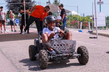 Go! Sans surprise, les jeunes - et les moins jeunes - s'en sont donnés à coeur joie au karting!