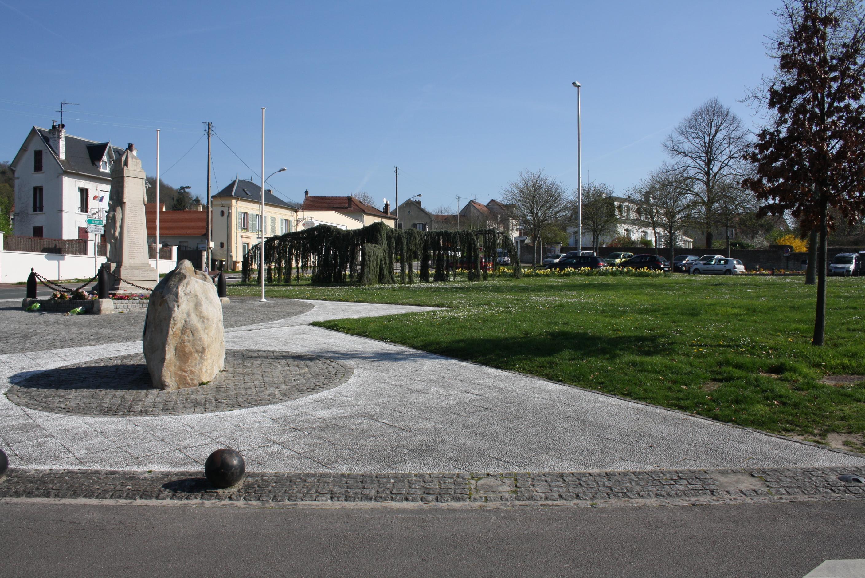 Le_Monument_aux_Morts