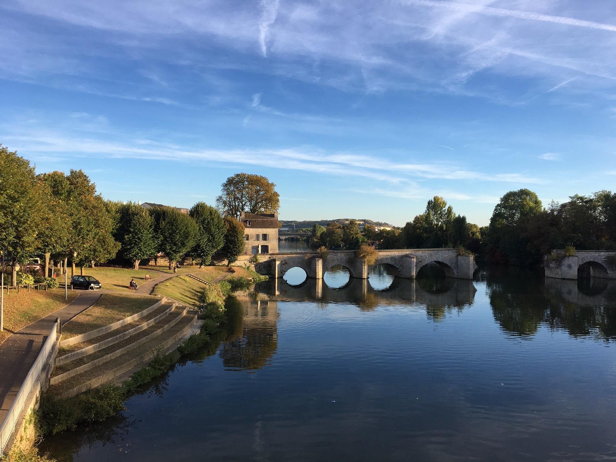 Pont_de_limay_vu_de_la_voie_rapide_cote_quai_Albert1er