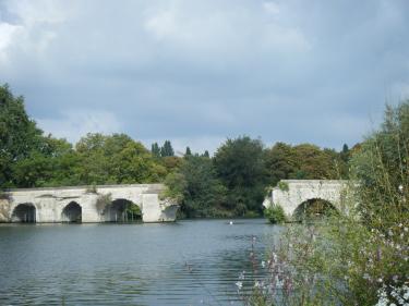 Pont_de_Limay_vu face_au_quai